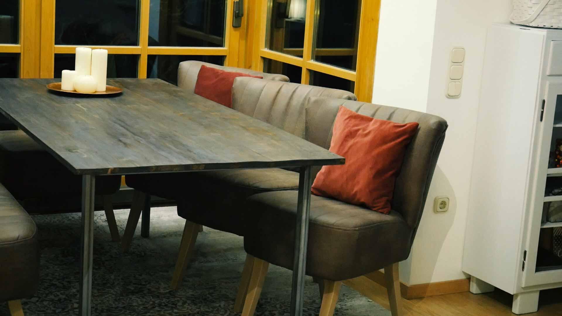 Holztisch selber bauen