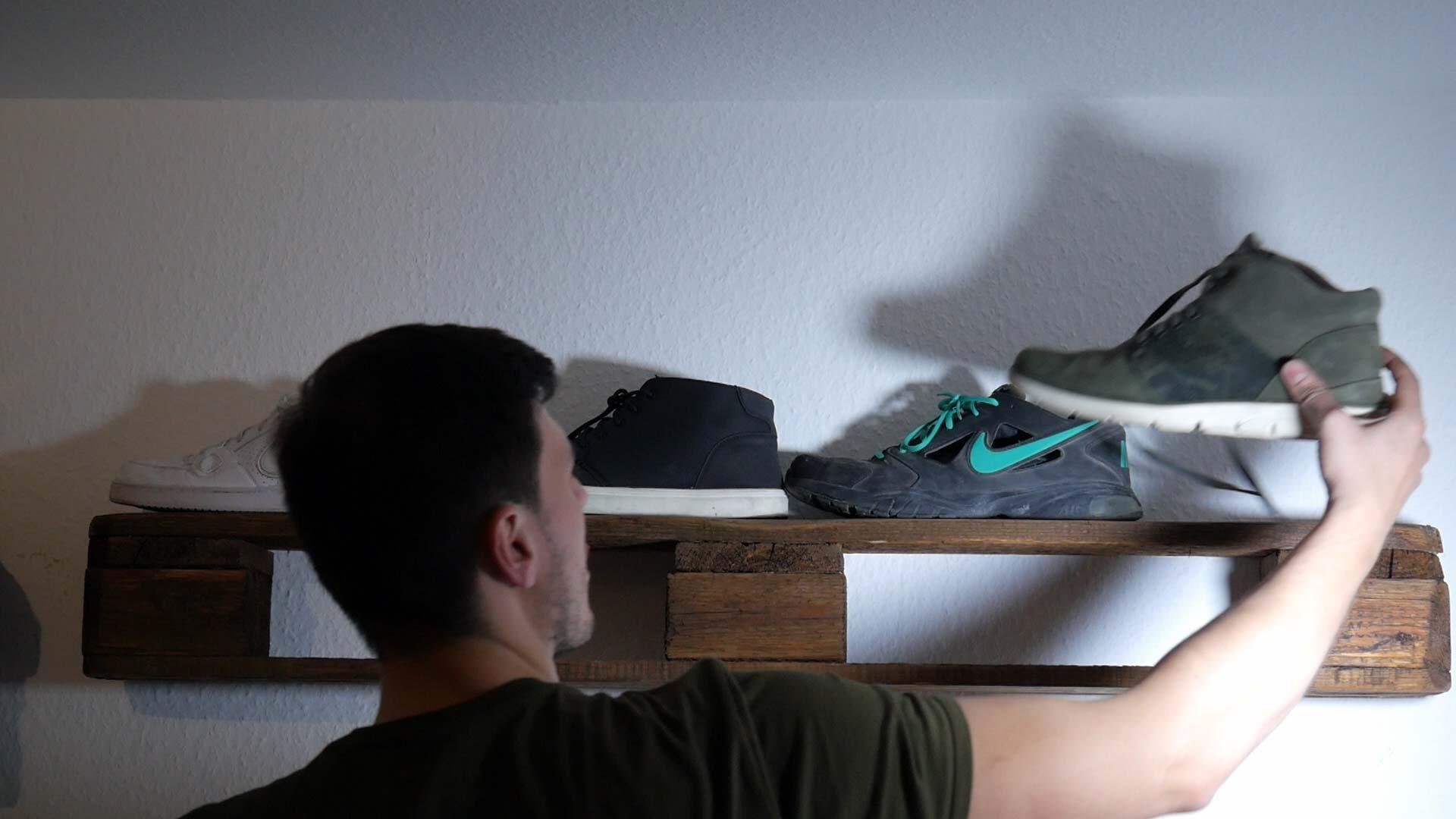 Sneaker Palettenregal
