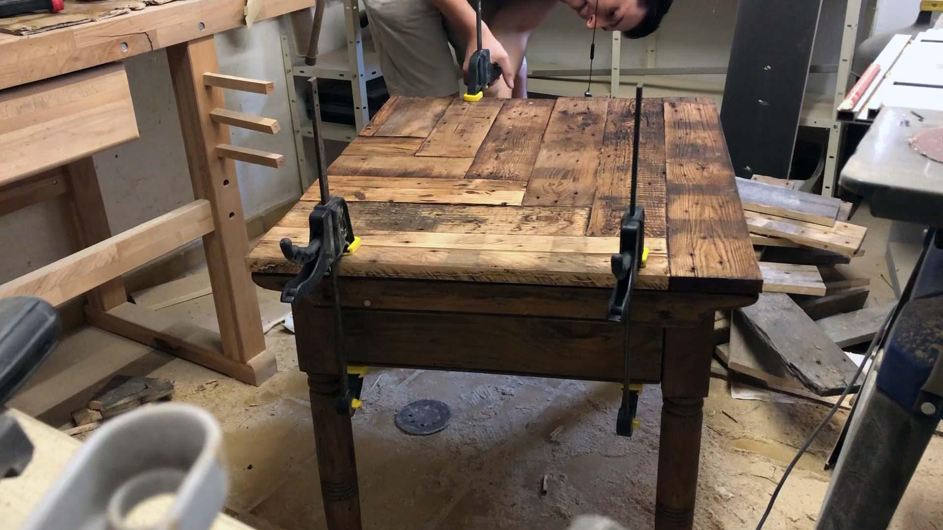 Tischplatte auf Untergestell