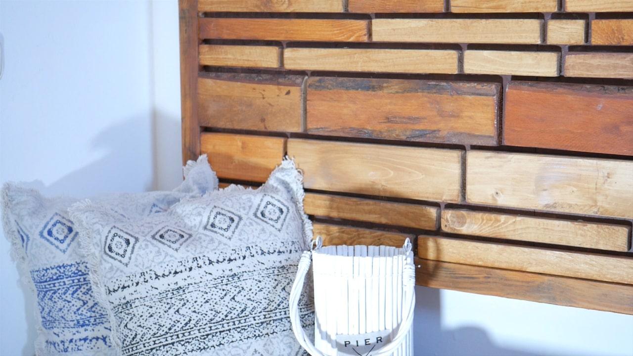 Holzbild mit Kissen