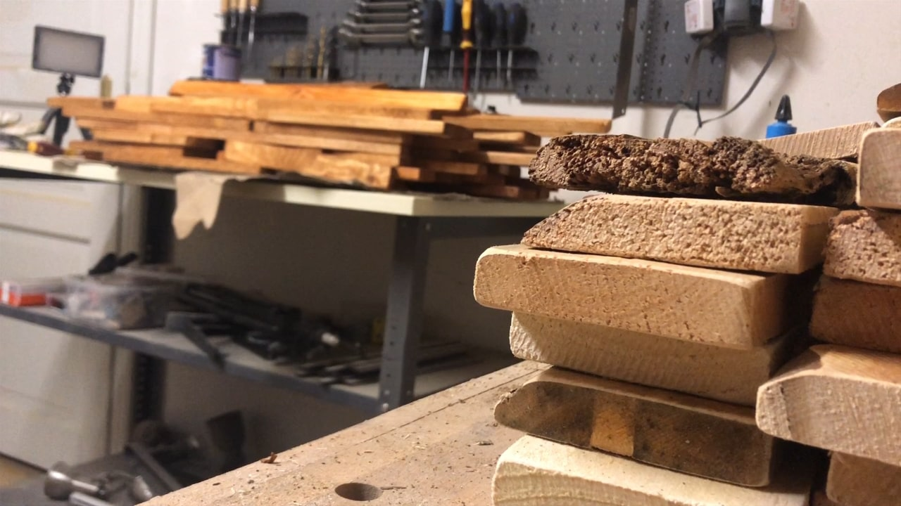 Lasierte Holzlatten