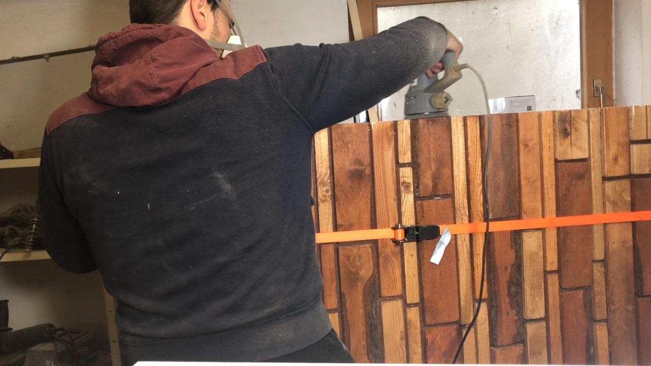 Holzbild abschleifen